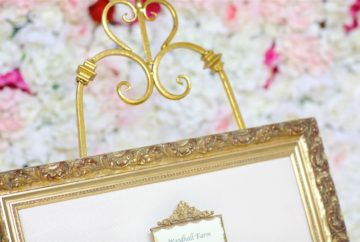 Free standing easel to display your table plan