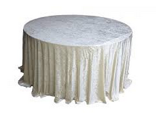 white-crushed-velet-table-cloth-Fabulous-Functions-UK-London-Swindon